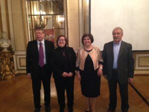 Da sinistra: Leonardo  Campanelli Direttore ENIT Vienna, Lucia Pretelli Assessore alla Cultura Urbino, Maria Bertone Ufficio Cultura Urbino, Evelino Vagnarelli Ufficio Turismo Gubbio.